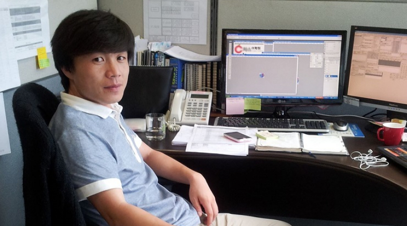 A North Korean defector depicts life in the South through online